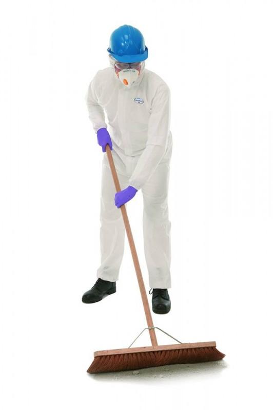 ชุดป้องกันละอองน้ำและฝุ่น KLEENGUARD* A20 (SP) Breathable Particle Protection Coveralls - White L
