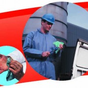 WYPALL* Cleaning Wipes Hand and Surface Cleaning in Industrial Manufacturing